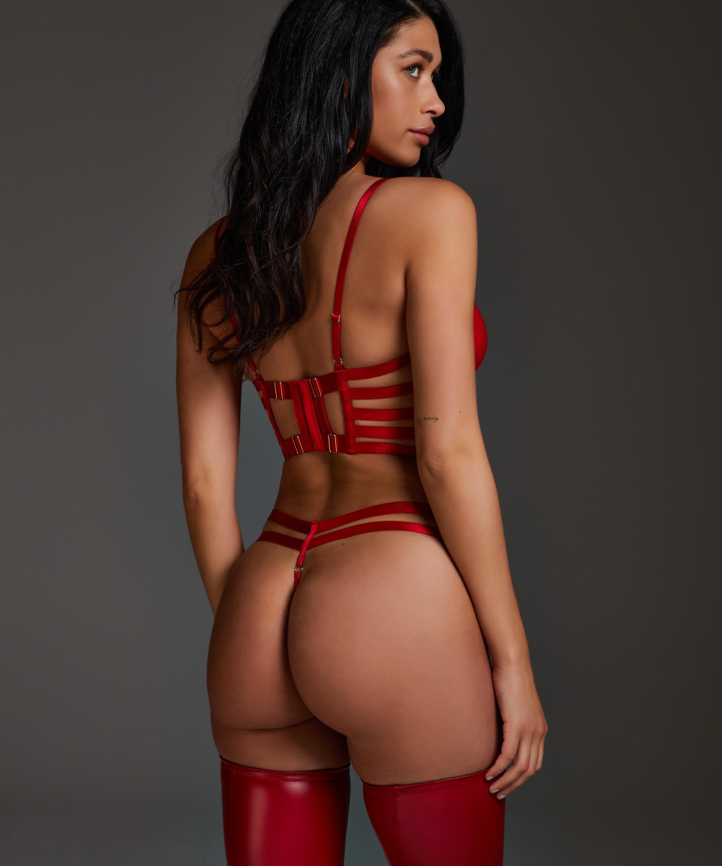 String Vicky, Rot, main