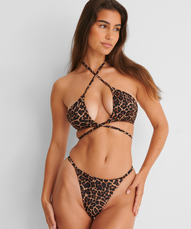 Hoch geschnittener String-Bikini-Slip Animal HKM x NA-KD, Braun, main