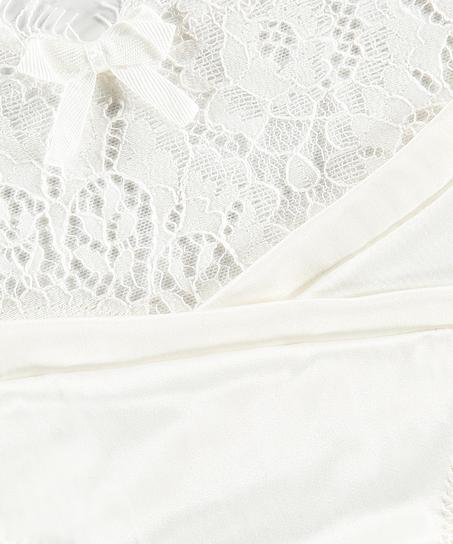 String Hannako, Weiß