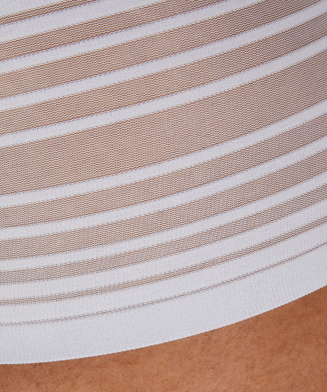 Invisible String, hoch, Weiß, main